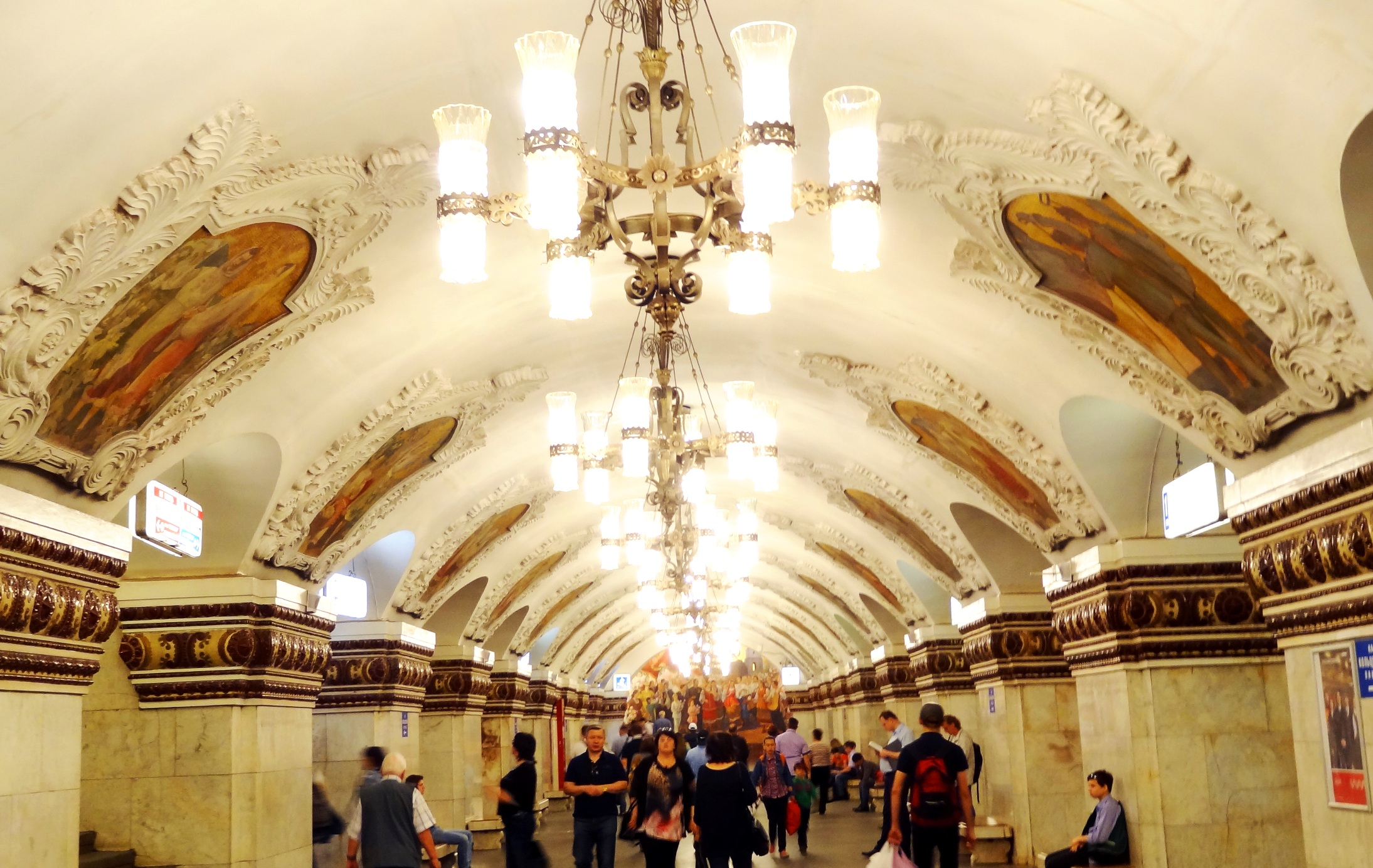10 Easy Ways of Understanding Moscow Subway Without Knowing Russian!