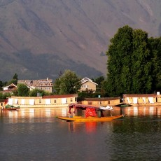 Things To Remember While Booking Houseboat In Srinagar