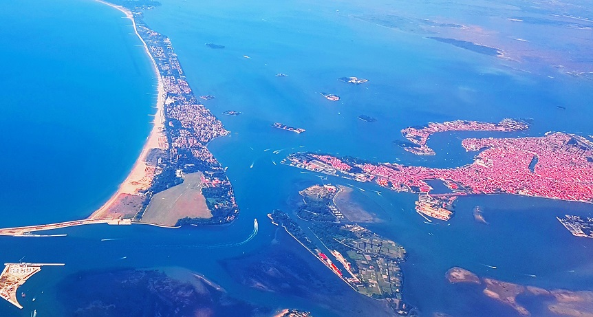 Island hopping around Venice